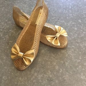 Shoes - SALE!! Gold Jelly with bow by Islander! SZ 7